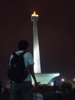 Menatap obelisk terbesar ibukota.